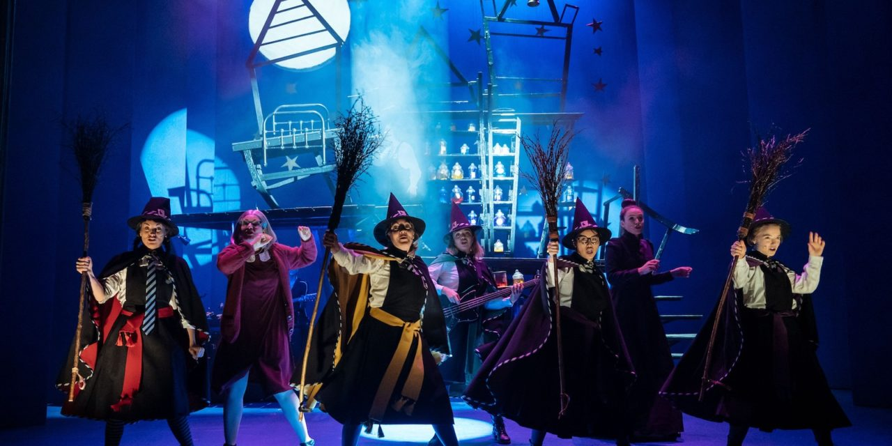 Norwich Eye reviews The Worst Witch