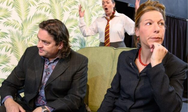 Norwich Eye reviews Love, Love Love at the Sewell Barn Theatre